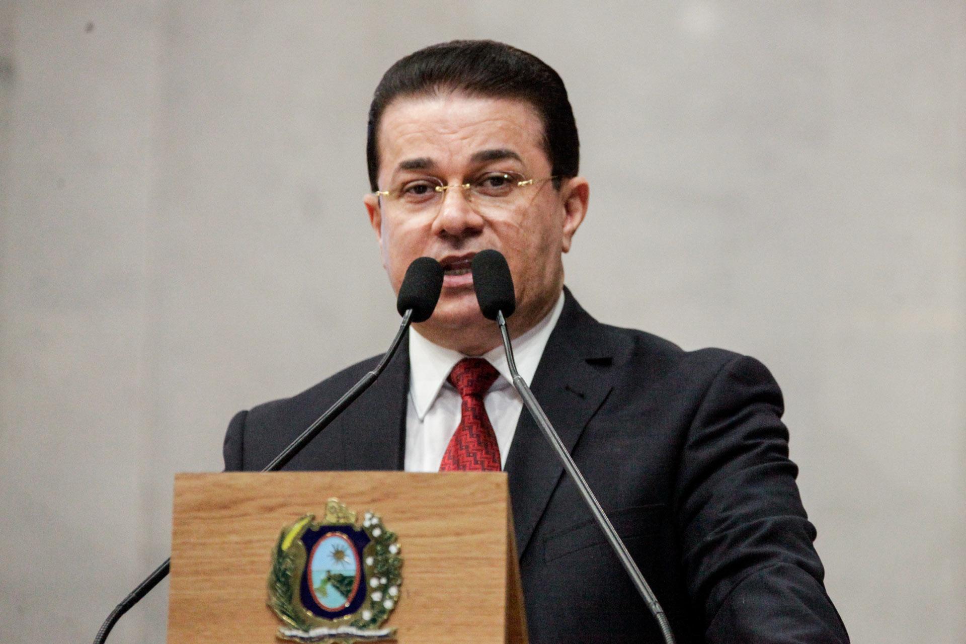 Deputado Adalto Santos